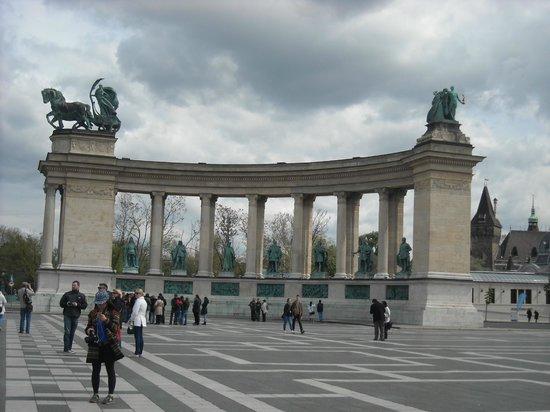 Place des Héros : Regal