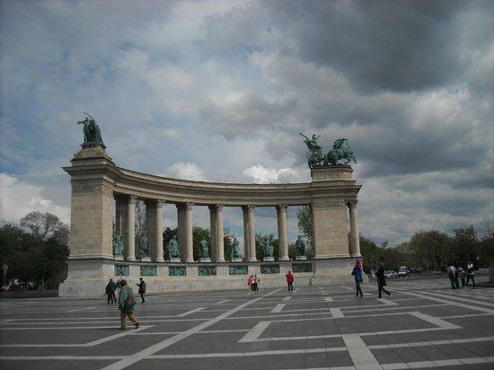 Place des Héros : Magnificent