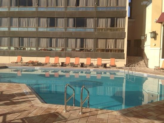 Ramada Plaza Resort and Suites Orlando International Drive : Ground floor pool (north tower on right, south tower left)