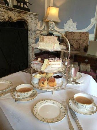 Tylney Hall: Traditional tea.