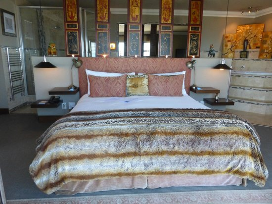 The Alexander: The king sized bed
