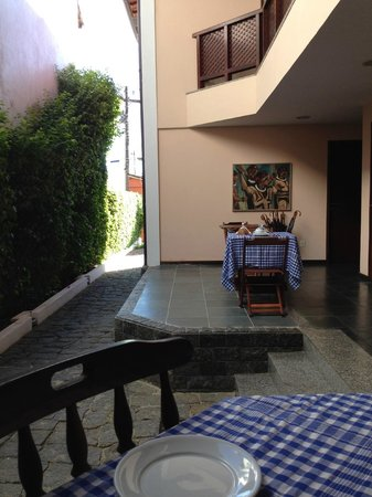 Pousada Ancoradouro Inn : open dining area for breakfast