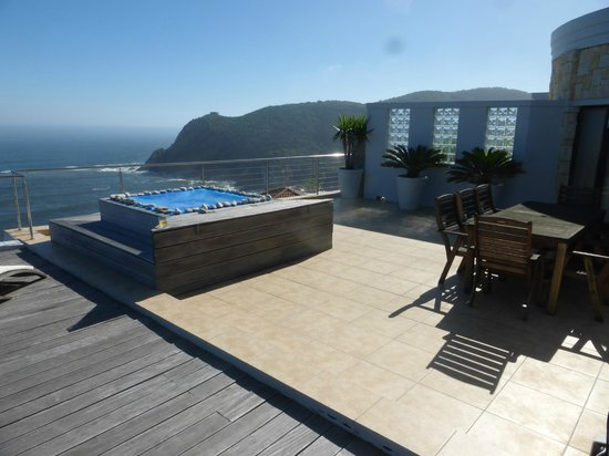 The Alexander: Jaccuzzi on your private terrace with Knysna heads in background