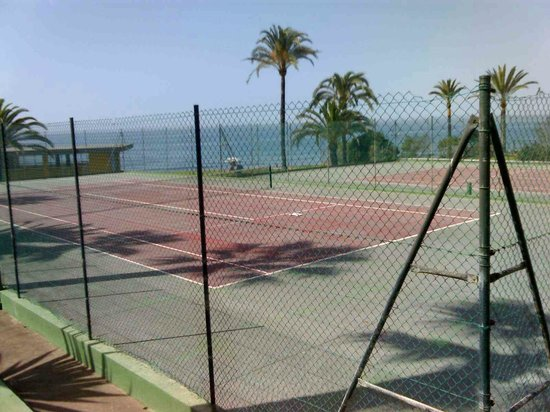 Isdabe Complejo Residencial: Tenis