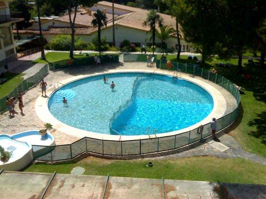 Isdabe Complejo Residencial: Vistas habitación piscina pequeña