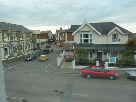 The Richmond Bed and Breakfast: Street view from front of B & B