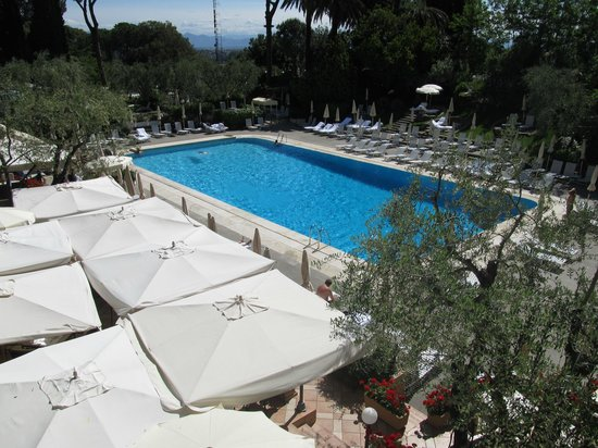 Rome Cavalieri, Waldorf Astoria Hotels & Resorts: Piscina