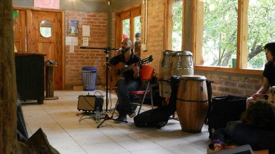 Quem Quem: Tarde de música en una tarde lluviosa