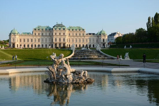Hotel Prinz Eugen: The Belverdere Palace -  a few minutes walk from the hotel..