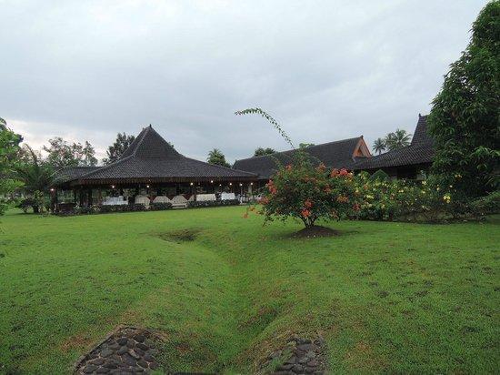 Hotel Manohara Borobudur: レストラン