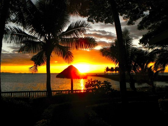 First Landing Beach Resort & Villas : Sunset from verandah