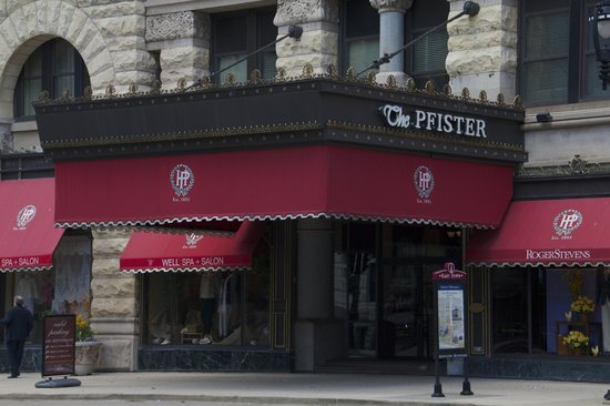 The Pfister Hotel: Outside