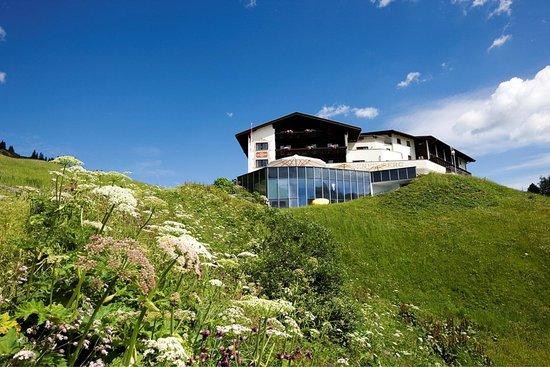 Hotel Goldener Berg: Exterior view