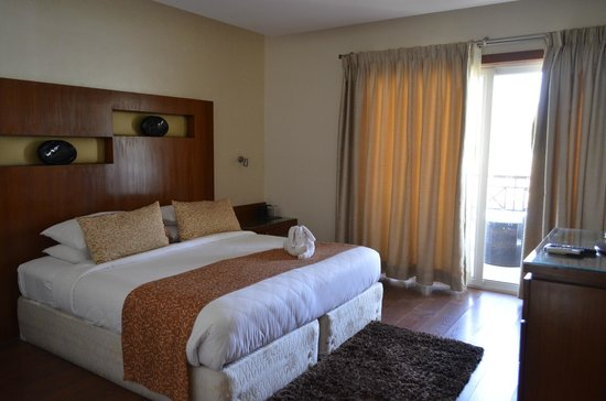 Clarks Exotica Convention Resort & Spa: Guest Room