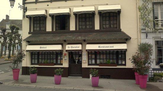 Le Darnetal: Outside of the restaurant