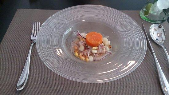 Ceviche 103: Ceviche clásico de pescado con boniato glaseado.