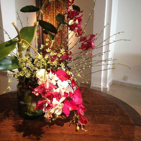 Hotel Colibrí: Enfeites e artesanatos bonitos apenas na recepção