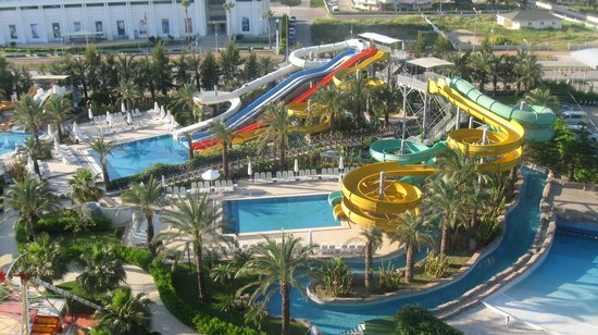 Royal Wings Hotel : view from our room onto waterpark