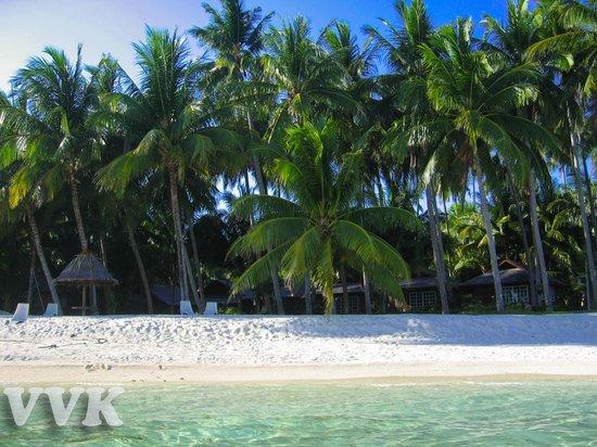 Mabul Water Bungalows: Пляж