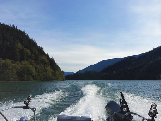 BC Sportfishing Group: Scenery from the boat