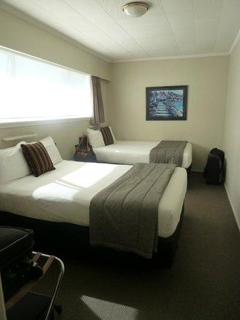 The Ashley Hotel: room2