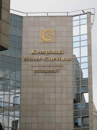 Kempinski Hotel Corvinus Budapest : Facciata posteriore