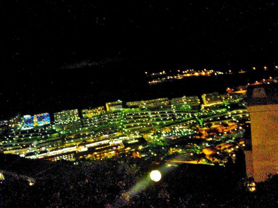 Roslara Apartments: View of Puerto Rico @ night