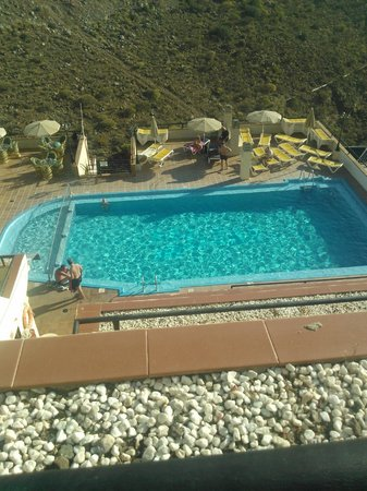 Roslara Apartments: Pool
