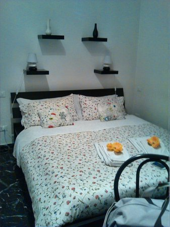 Bed & Breakfast 2 Steps from Tower: Stanza a dx (si affaccia sulla strada)