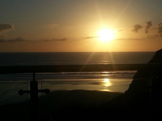 Watergate Bay Hotel : Perfect sunset from our room