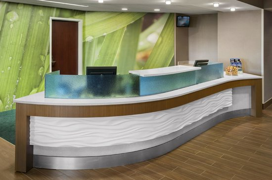 SpringHill Suites Philadelphia Willow Grove : Front Desk