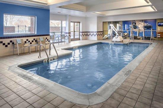 SpringHill Suites Philadelphia Willow Grove : Indoor Pool