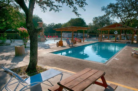 Canyon Lake, TX: Outdoor Pool