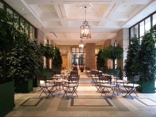 Lanson Place Hotel: hotel lobby