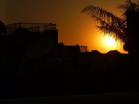 Riad Granvilier: Sunset