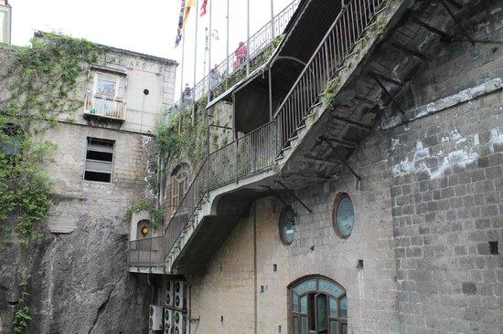 Piazza Tasso : scalinata verso il porto