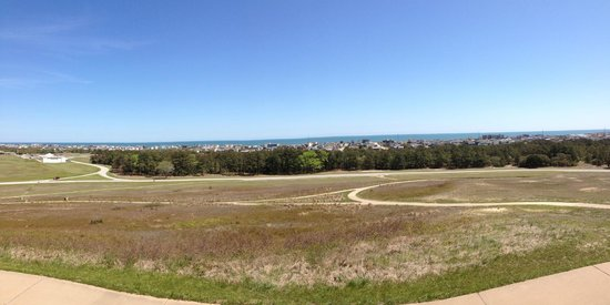 Wright Brothers National Memorial: Panoramic view from the top looking down