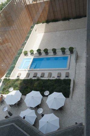 Hotel Atton San Isidro: Sunshine over the pool