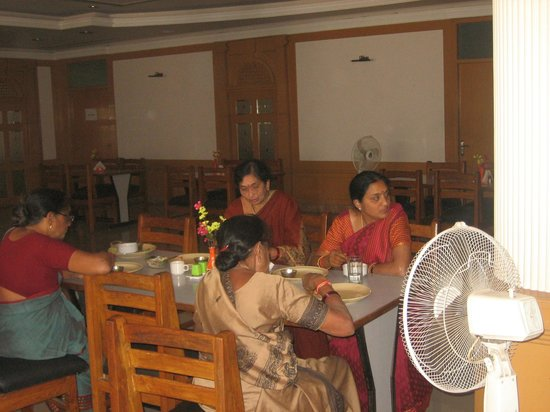 Hotel Buddha: dining
