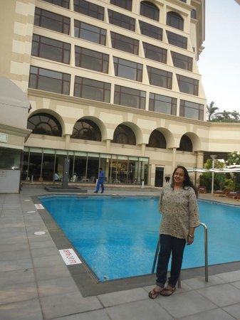 Sun-n-Sand Pune: Poolside musings