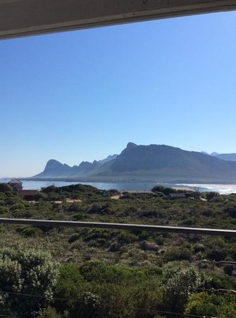 Moonstruck on Pringle Bay Guesthouse: View from terrace.