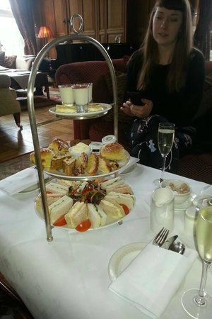 Lough Rynn Castle Estate & Gardens: Afternoon Tea