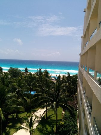 Live Aqua Beach Resort Cancun: View from 1st floor suite