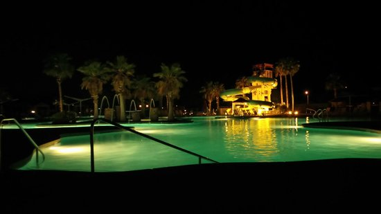 Cibola Vista: Family Pool + 3 storey Water slide at Night