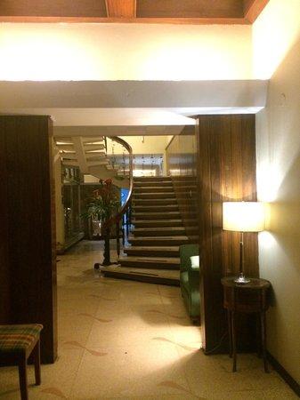 Hostel Casa Del Parque: Entrance to the hostel