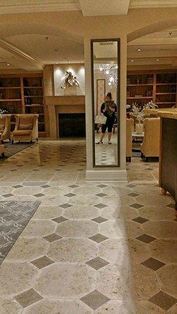 Hotel Ballard: lobby