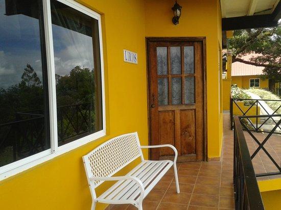 Cabañas El Parador: fachada de suite para 4 personas