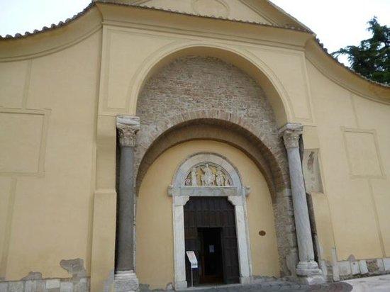 Chiesa di Santa Sofia : Facciata esterna