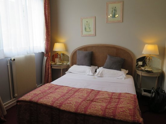 Grand Hotel des Templiers : Basic room
