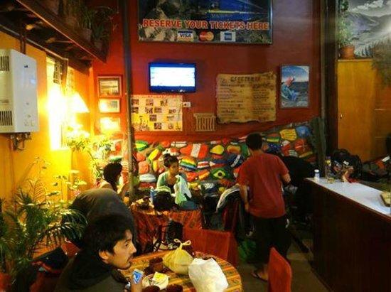 Marlon's House Cusco-Peru : Friends Cooking